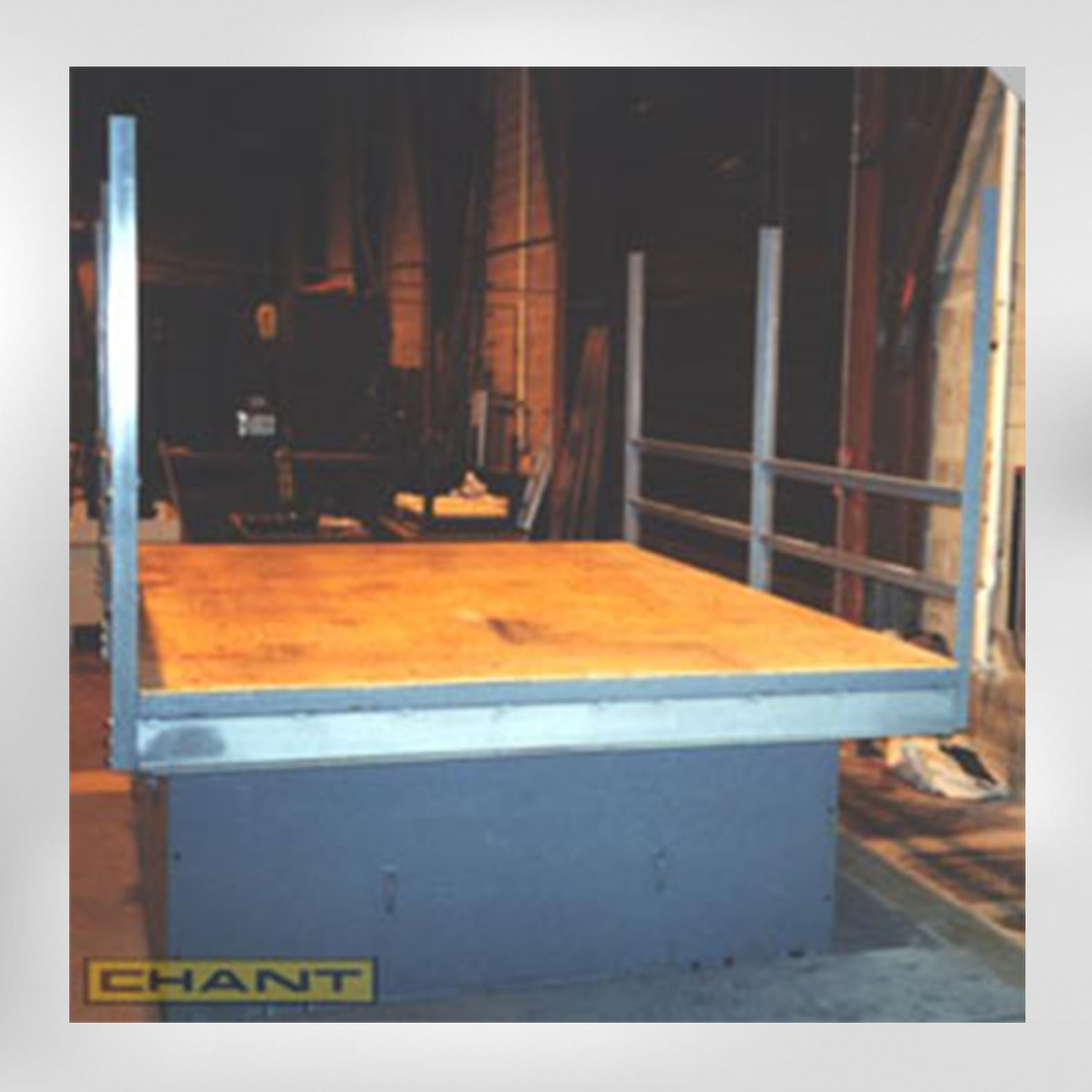 8760 Transportation Shaker Table Simulator